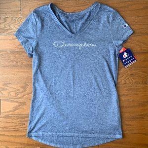 Champion | NWT Blue Logo T-Shirt Size M